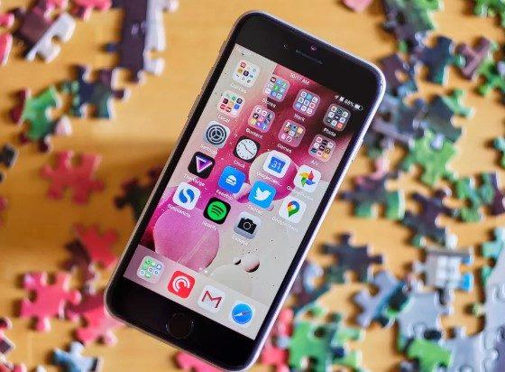 В iPhone SE функція Haptic Touch не працює на екрані блокування